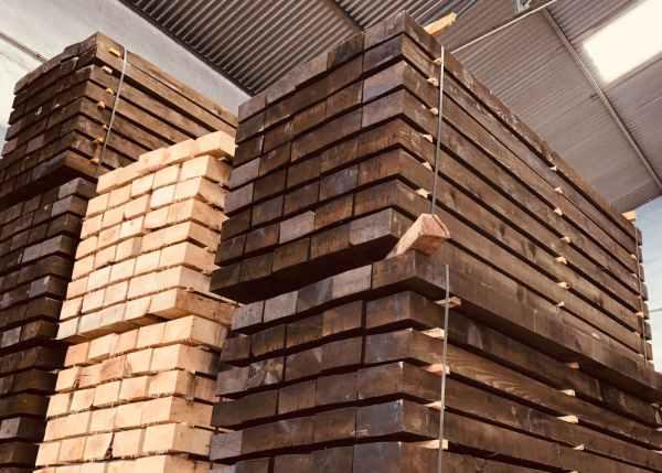 Traviesas de madera de pino