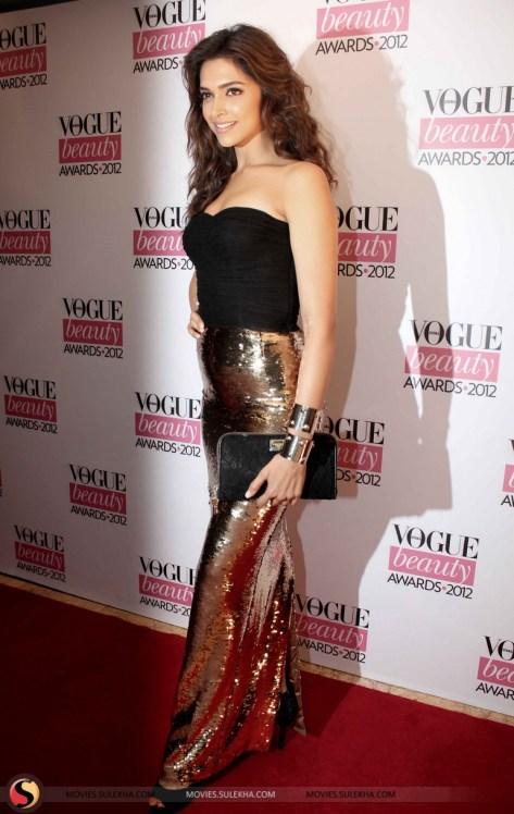 celebs-grace-vogue-beauty-awards-2012-pics022