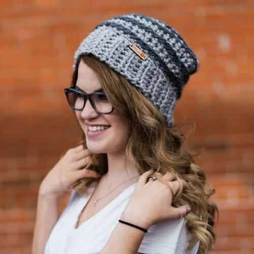 FREE CROCHET PATTERN Unisex Beehive Beanie #beehivebeanie #beehivehat #texturedhat #texturedbeanie #womenswinterhat #womenshat #ribbedhatpattern #crochetpattern