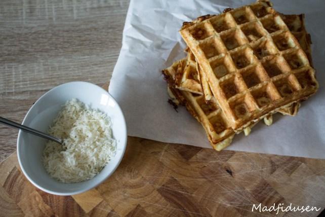 Tripple Cheese Waffle01