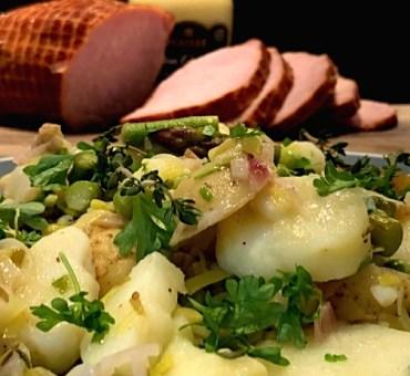 Varm kartoffelsalat med smag af forår