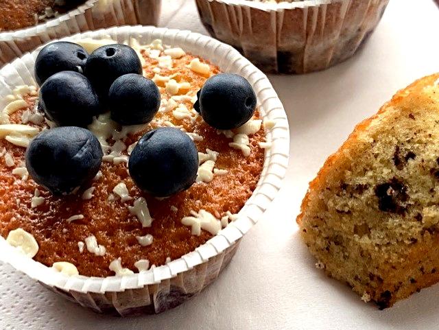 Muffins med chokolade og blåbær - klassens blåffins