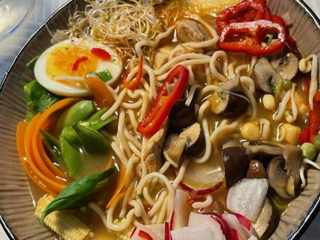 Opskrift på lækker japansk ramen suppe