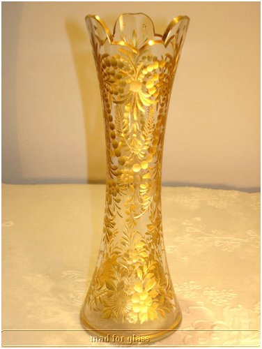 MOSER GLASS VASE WITH GOLD INTAGLIO-CUT FLOWERS