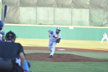San Diego Padres prospect Seth Simmons pitches for Flying Chanclas de San Antonio