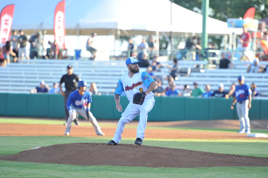 Padres prospect Seth Simmons pitches for the San Antonio Flying Chanclas