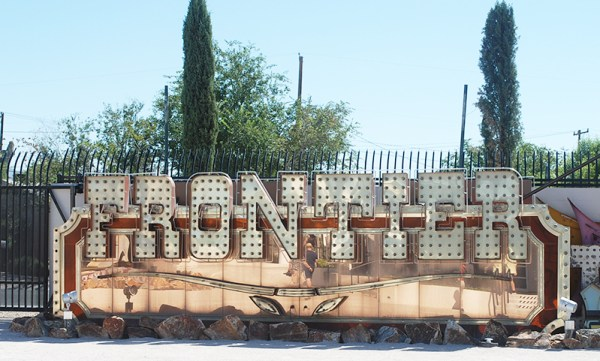 Visiting the Boneyard - The Las Vegas Neon Museum