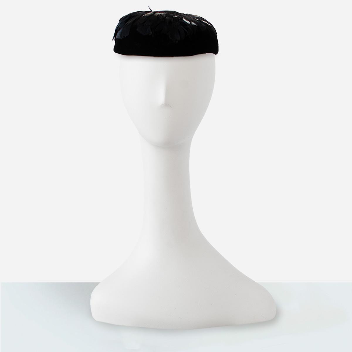 black close hat