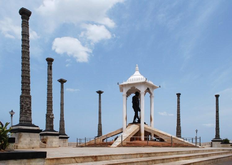 GandhiStatuePondicherry.jpg