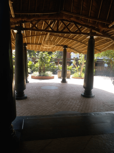 Hotel entrance-bELEZA BY THE SEA