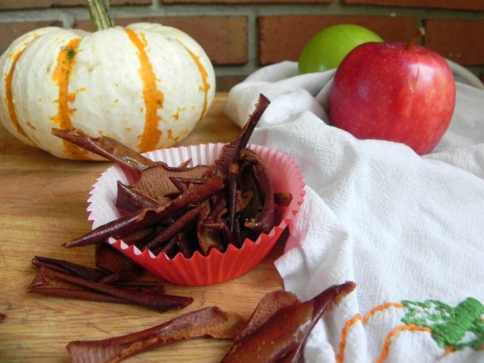 Baked Cinnamon Apple Peels