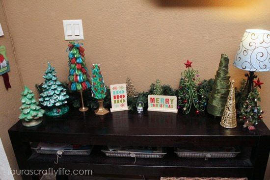 Christmas-tree-display_thumb-25255B2-25255D