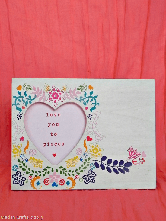 Rosemaling-Frame-with-Valentines-Mes-25255B1-25255D