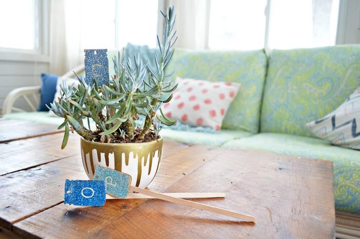 GLITTER MASON JAR PLANT MARKERS