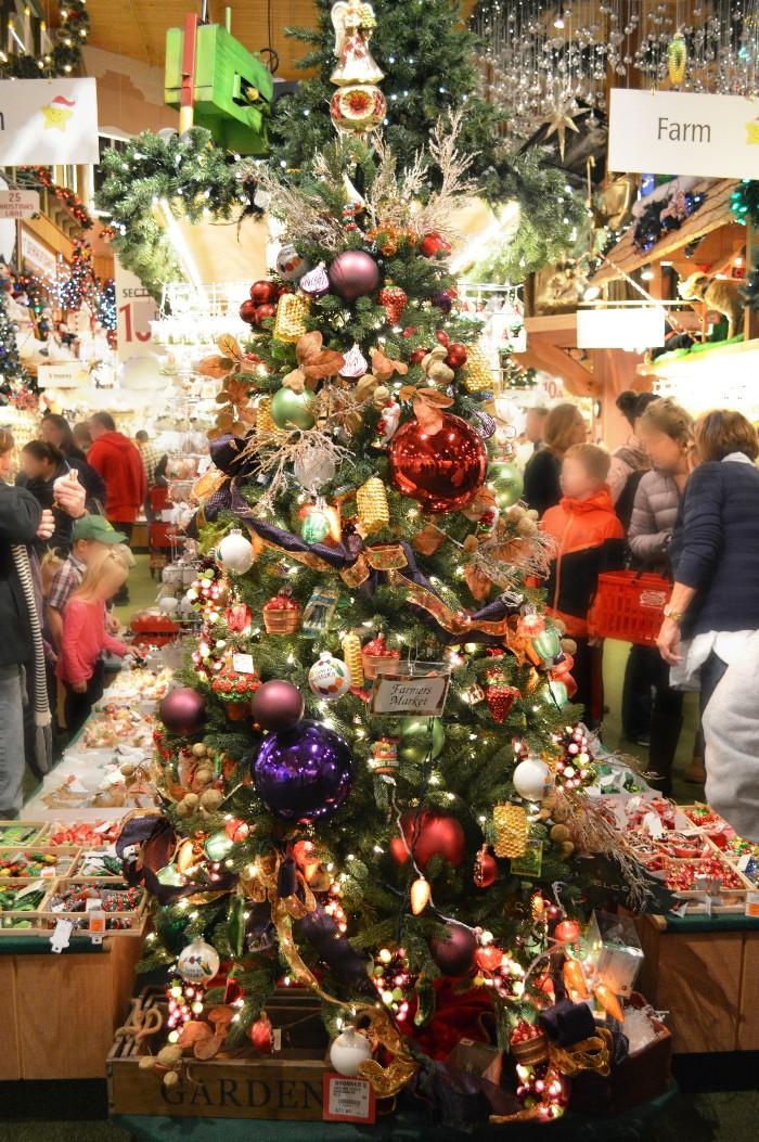 CHRISTMAS TREE INSPIRATION FROM BRONNERS CHRISTMAS