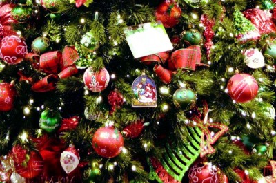 CHRISTMAS TREE INSPIRATION FROM BRONNER'S CHRISTMAS WONDERLAND