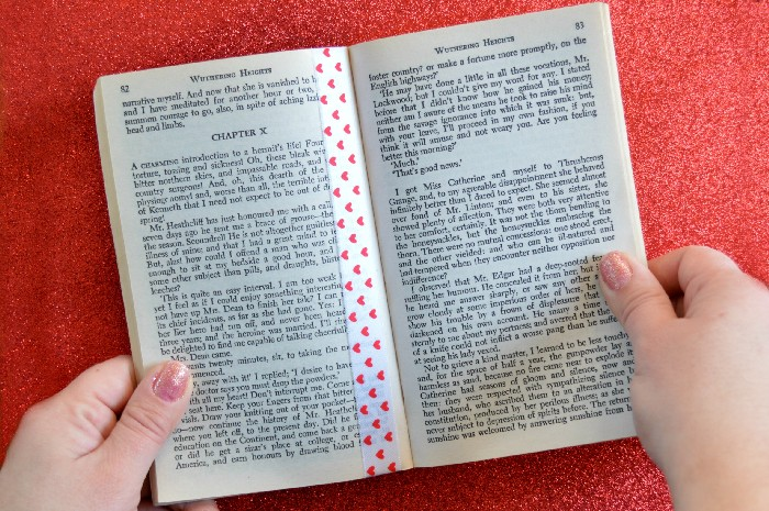 DIY Valentines Day Ribbon Bookmark