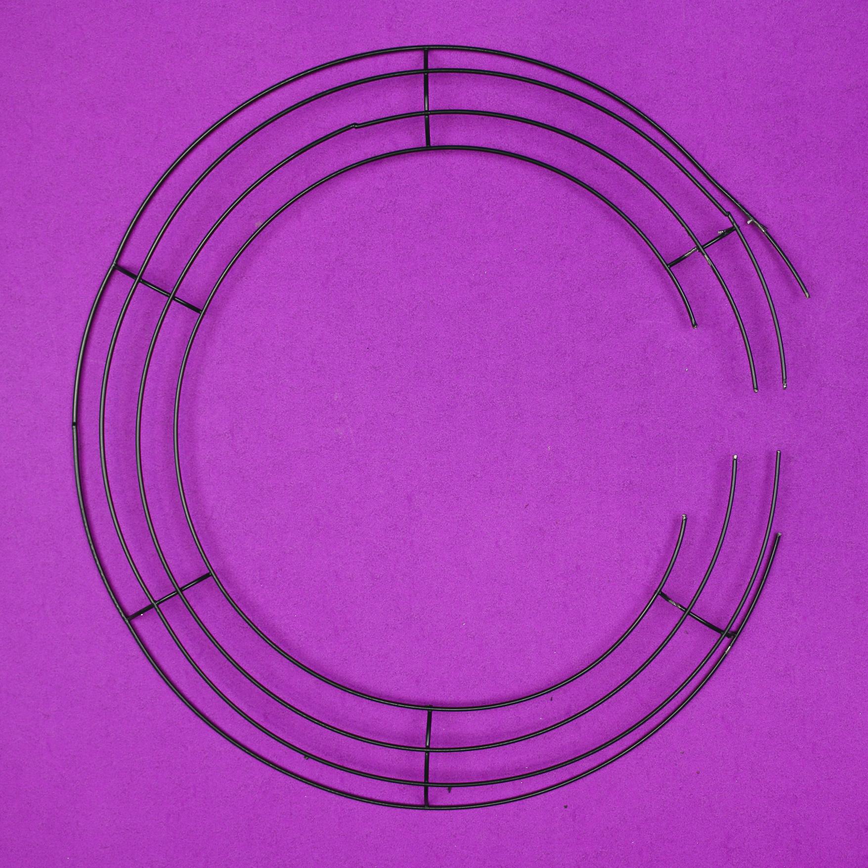 cut dollar store wire wreath form