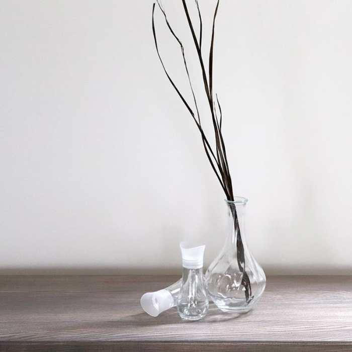 Žemos stiklinės vazelės nuoma