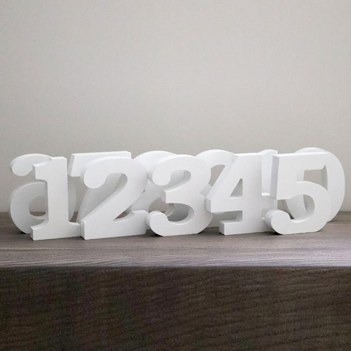 Balti stalo numeriukai nuoma