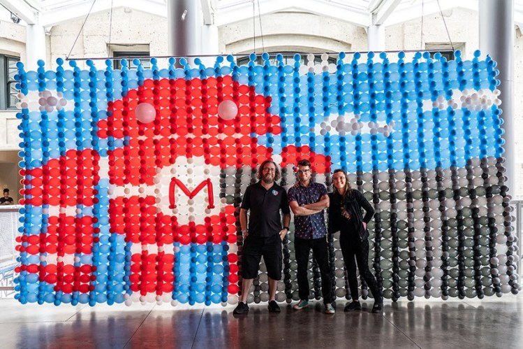 Airigami Bubble Mural TM is a creative installation built by community members using easy to inflate and biodegradable latex balloons! It's the perfect visual demonstration of how many small efforts can create tremendous results.