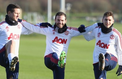 Man U . Training against the Saints