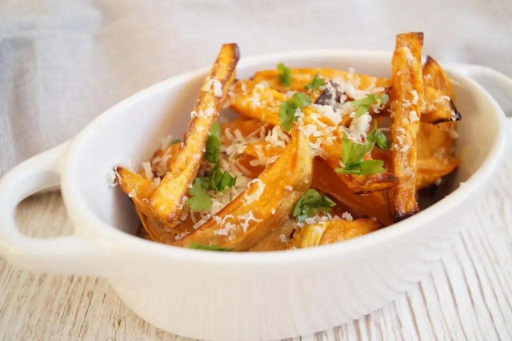 Sweet potato fries med parmesan