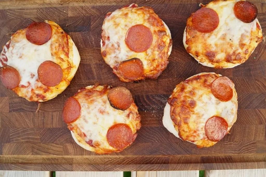 Grillede pizzaboller til madpakken