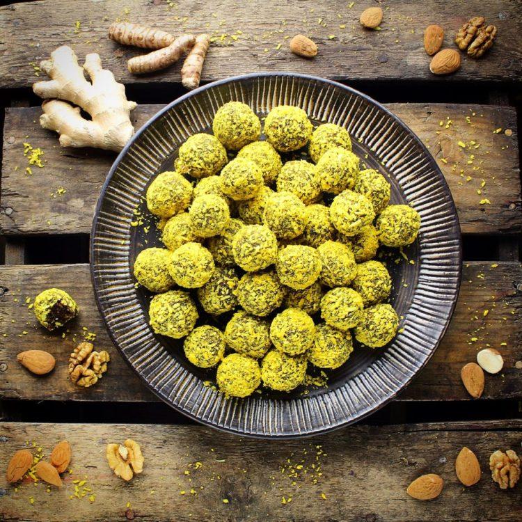 Ingefær, gurkemeje konfektkugler - Vegansk opskrift - Mad med glød