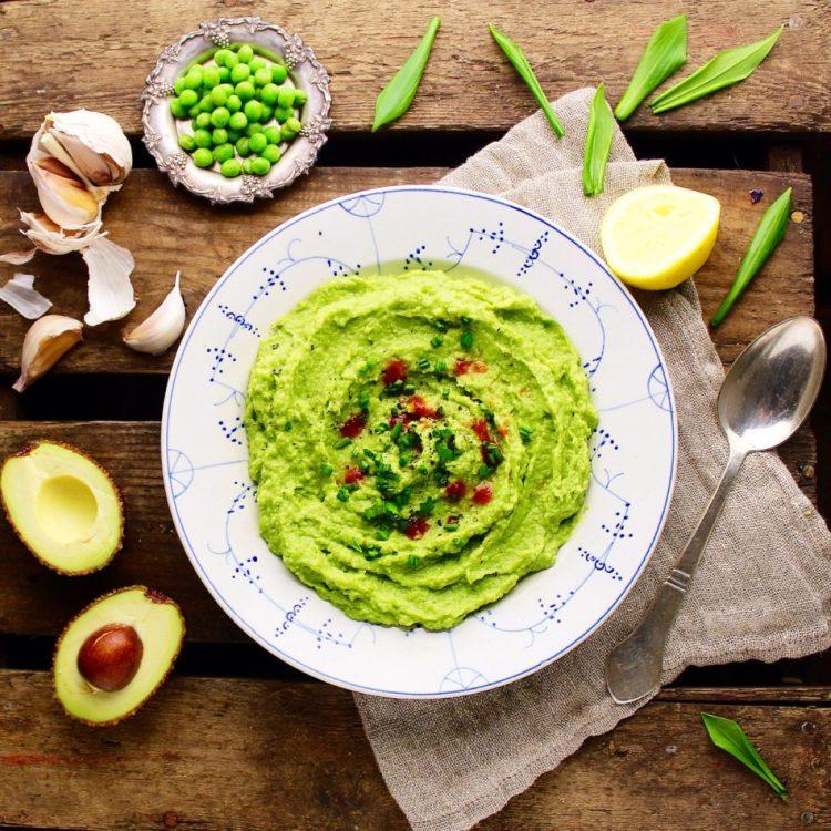Ærtepuré med avocado og andet godt - Vegansk - Mad med glød