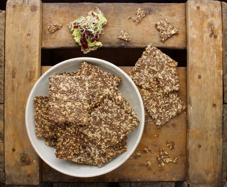Hørfrø knækbrød - Plantebaseret / Vegansk opskrift - Mad med glød