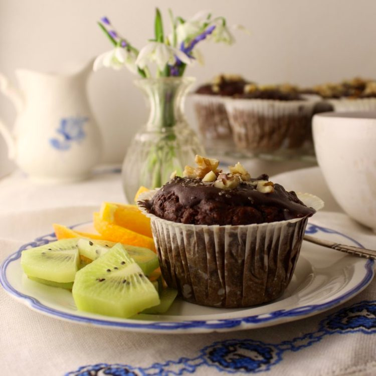Chokolademuffins med valnødder - Plantebaseret / Vegansk opskrift - Mad med glød