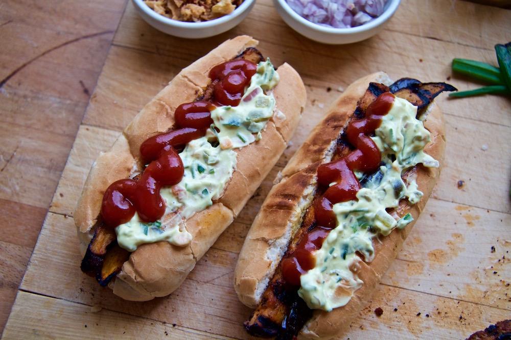 hotdog-ketchup-remo