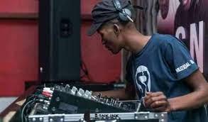 Soul Revolver & Muziqal Tone – Plug & Play