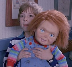 Andy-Chucky-andy-barclay-18121514-594-551