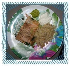 alaskanische Essensspezialität: Wildlachs mit Reis