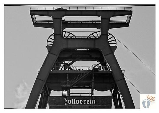 """Doppelbockfördergerüst in der """"Zeche Zollverein"""" (Essen - Deutschland)"""