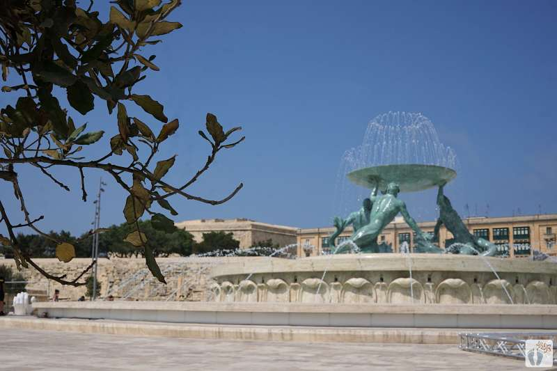 «Valletta»: «Tritonenbrunnen» am Beginn der Fußgängerzone {Reisetagebuch Malta: Tag 01}