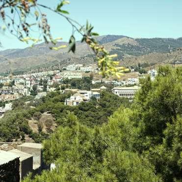 Blick vom «Castillo de Gibralfaro» auf die Rückseite von «Málaga» {Andalusien Reisetagebuch}