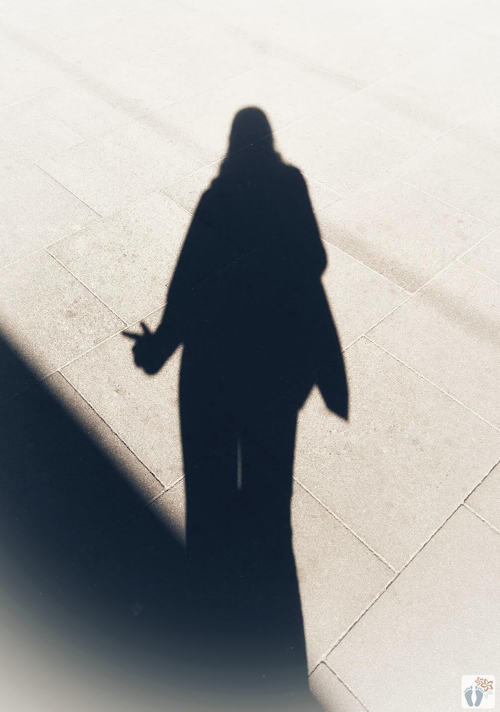 """Wiener Fotomarathon 2018 - Thema """"Licht und Schatten"""": Schattenbild von Maria Dolores"""