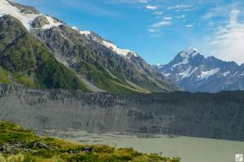 Blick von der Aussichtsplattform am «Kea Point Track»: Muellers Glacier, Mueller Lake, Hooker Glacier{Reisetagebuch «Roadtrip durch Neuseeland mit dem Bus»: Aoraki-Mount Cook}