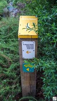 Stadtwanderung «City to Sea Walkway»: Wegmarkierung {Reisetagebuch «Roadtrip durch Neuseeland mit dem Bus»: «Wellington»}