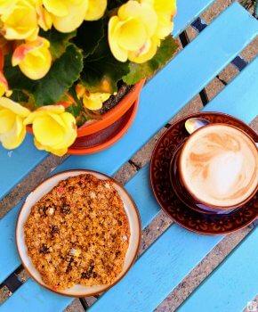 Frühstück - Kaffee und veganer Cookie_Kaffeehaus #Lisanna#_Tallinn - Estland