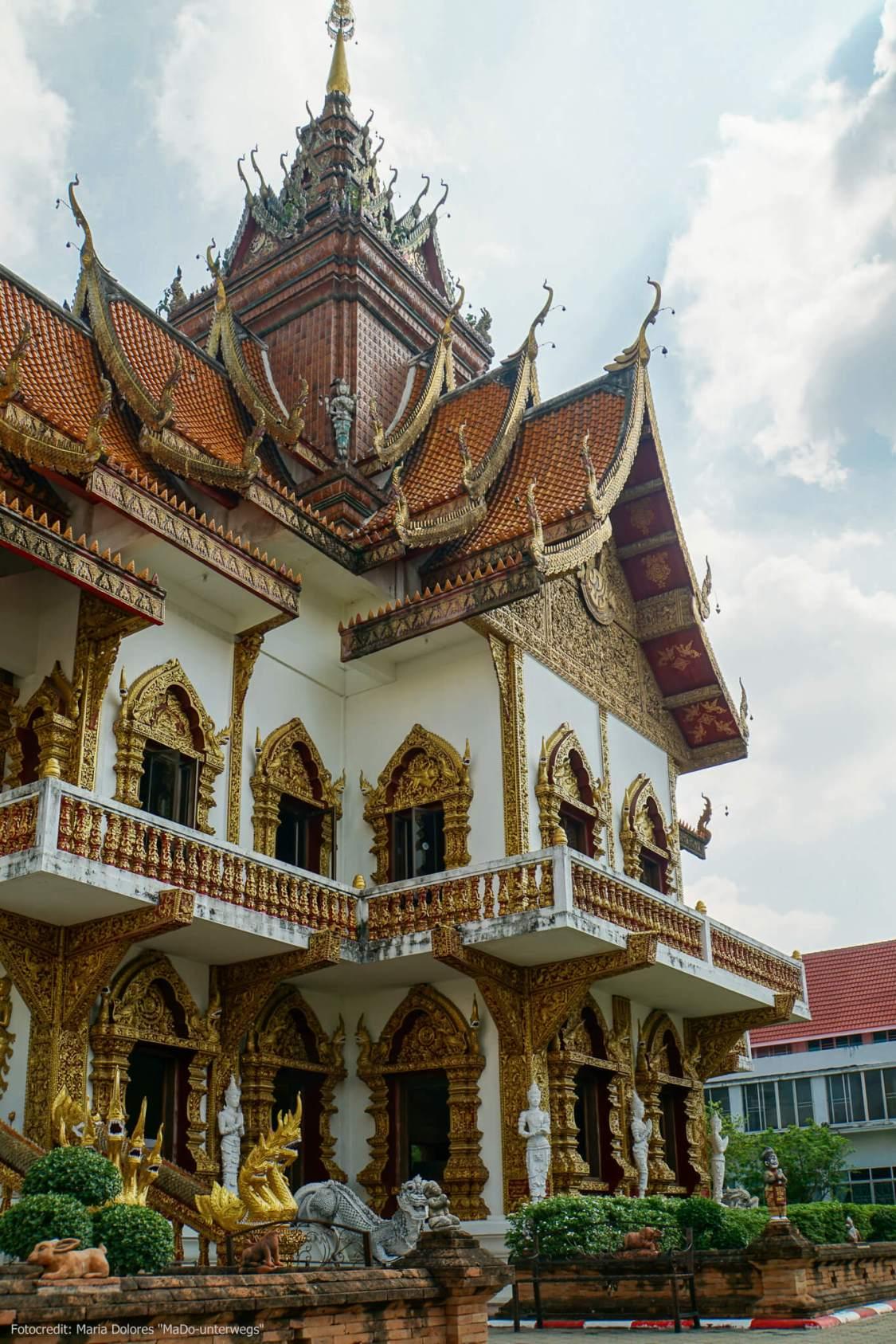 Wat Buppharam in Chiang Mai: Außenansicht (Reisetagebuch «Thailand als Alleinreisende ohne Roller entdecken»)