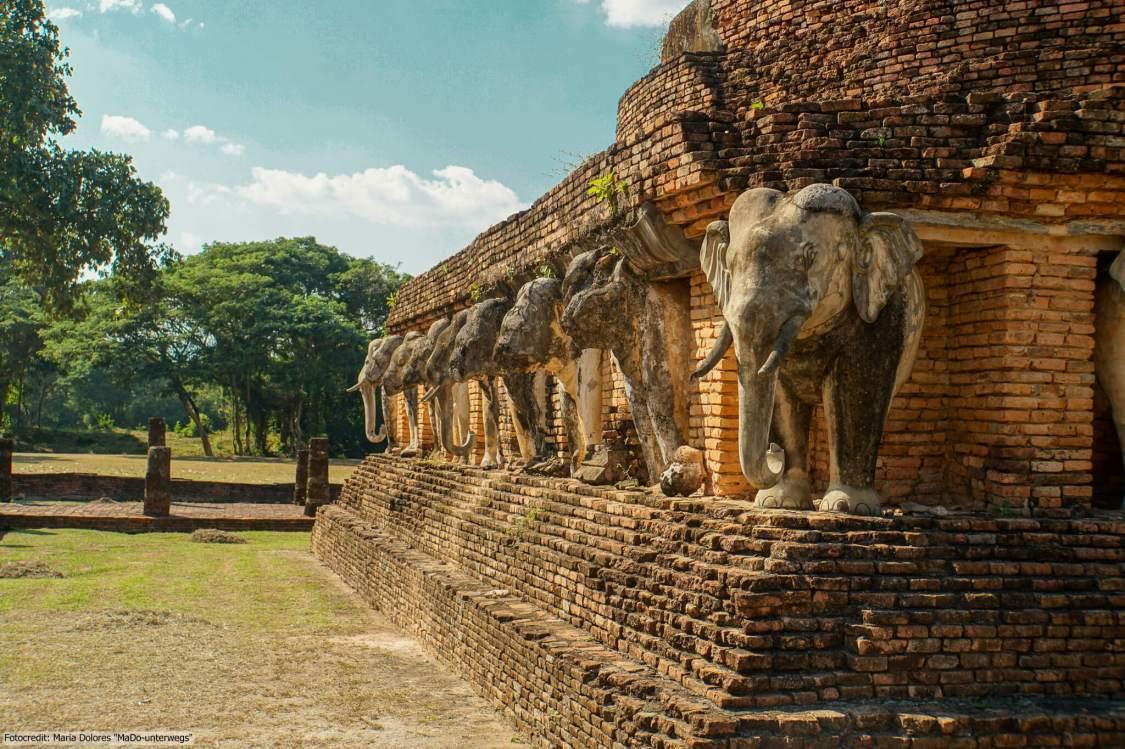 Wat Chang Lom im Sukhothai Historical Park entdeckt (Reisetagebuch «Thailand als Alleinreisende ohne Roller entdecken»)