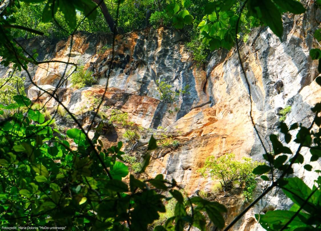 Kalksteinfelsen am Nature Trail auf Koh Hong (Hong Island) in der Andamanensee (Reisetagebuch «Thailand als Alleinreisende ohne Roller entdecken»)