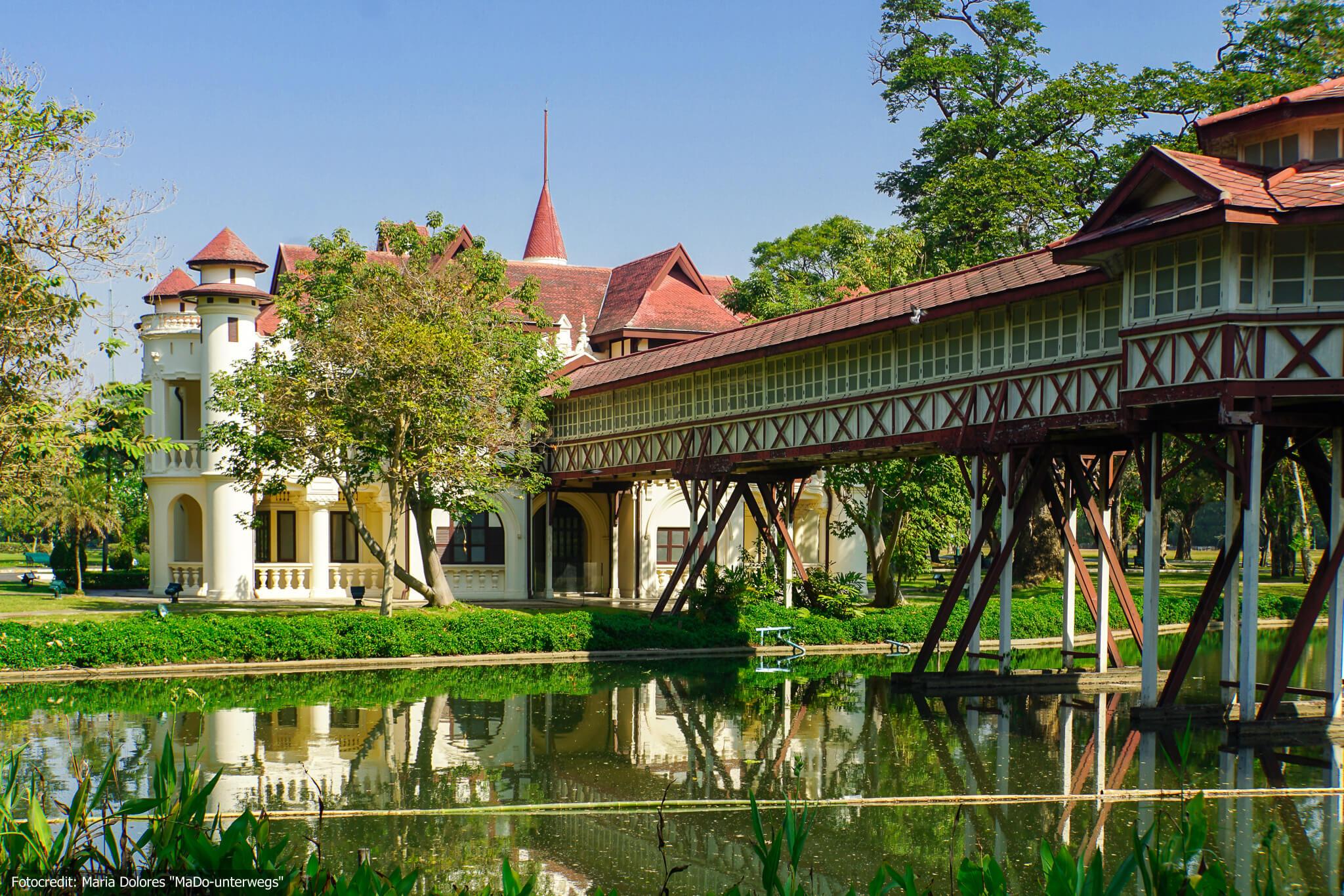 Sanam Chandra Palastanlage in Nakhon Pathom - Jalimangalasana (Charliemongkolasana) Residenz mit Brücke (Reisetagebuch «Thailand als Alleinreisende ohne Roller entdecken»)