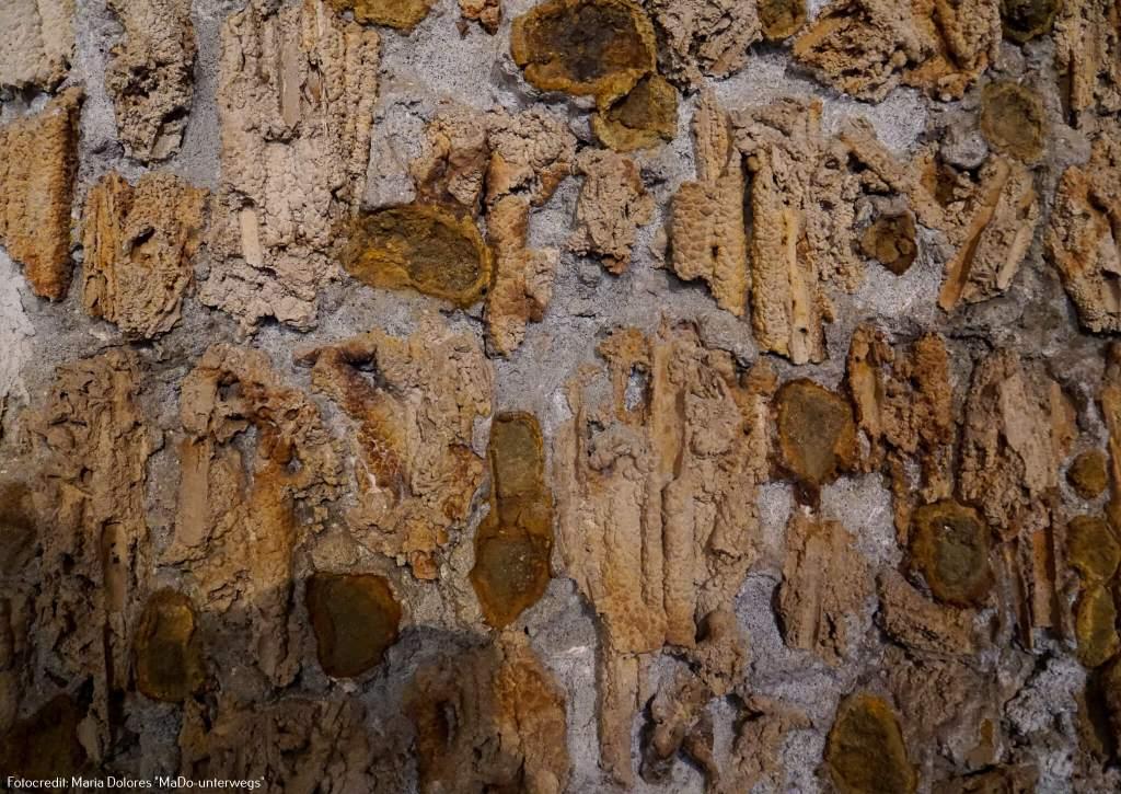 Wasserspiele Hellbrunn: Fresko in der Ruinengrotte [10 Tage Roadtrip Salzburg]