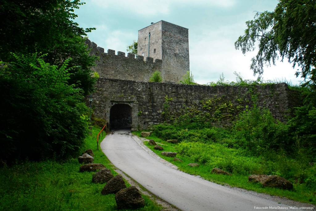 Torbau am Stadtwanderweg auf dem Mönchsberg [10 Tage Roadtrip Salzburg]