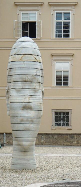 monumentaler Marmorkopf #Awilda#: Walk of Modern Art [10 Tage Roadtrip Salzburg]